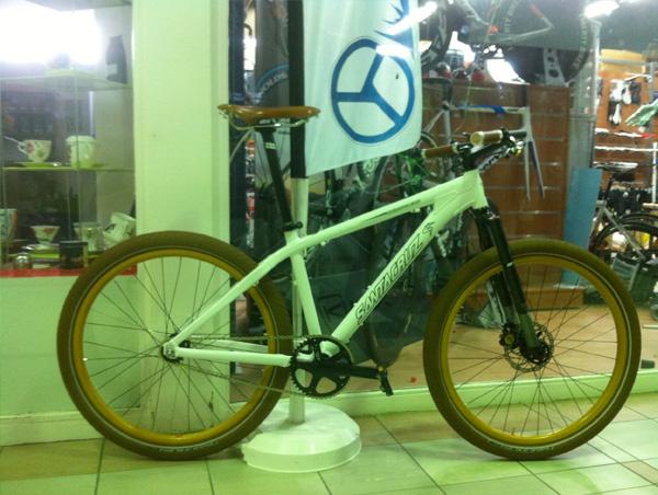 fixie-blanc-santa-cruiz-vélo